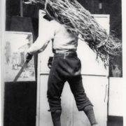 Fascinaro in posa nello studio di Ettore Roesler Franz