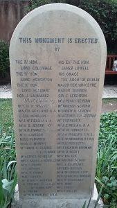 Lapide sulla tomba di Keats e Severn